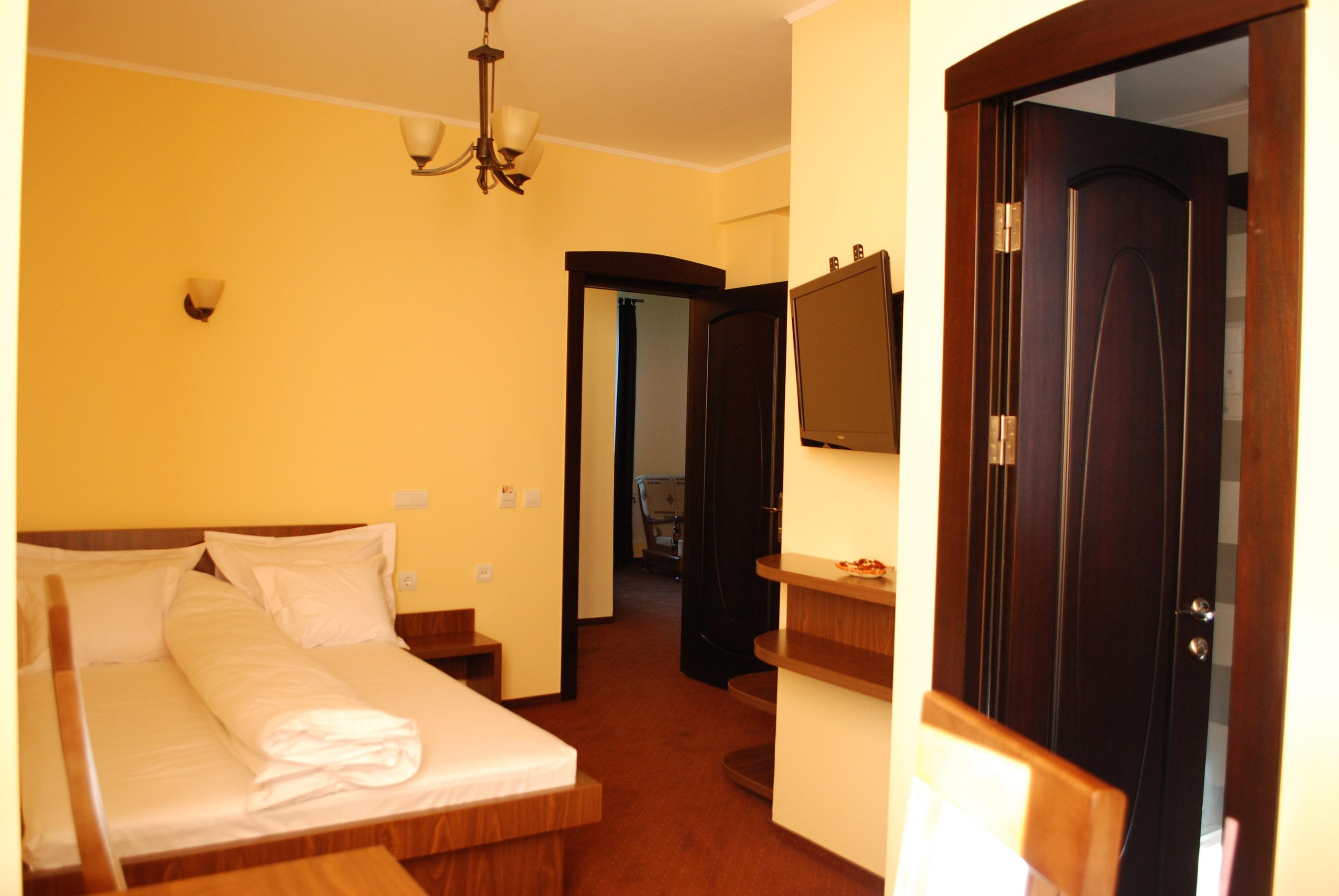 Single Room [1]
